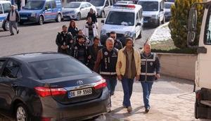 Karamanda 2 torbacı tutuklandı