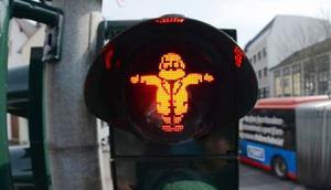 Karl Marx trafik ışığı figürü oldu