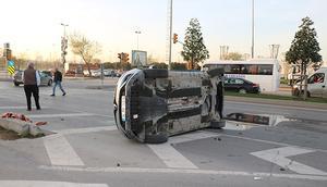 İstanbulda sahil yolunu kapatan kaza