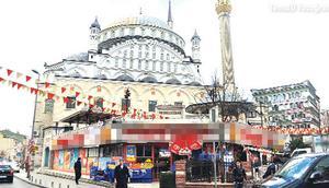 Antalya Valisi Karaloğlu cami altında dükkanı yasakladı