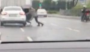 İstanbulda akıllara durgunluk veren görüntü... Araç kamerası kaydetti