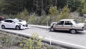 Kafa kafaya feci kaza: Çok sayıda yaralı var