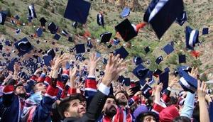 Gümüşhane Üniversitesi'nde mezuniyet coşkusu