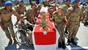 Osmaniyede engelli gençlerin askerlik heyecanını