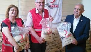 Osmaniye Kızılay 2 ton pirinç dağıttı