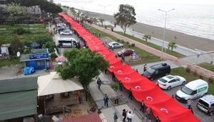 Samsunda 1919 metrelik dev Türk bayrağı dalgalandı