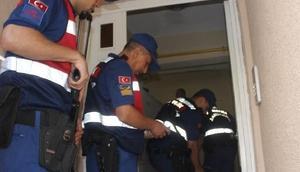 Kütahya merkezli 7 ilde dolandırıcılık operasyonu: 2si polis, 9 gözaltı
