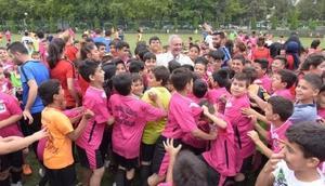Osmaniye Belediyesinin düzenlediği yaz spor okullarına 2 bin öğrenci katılıyor