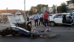 Muğlada 2 otomobil çarpıştı: 4 yaralı