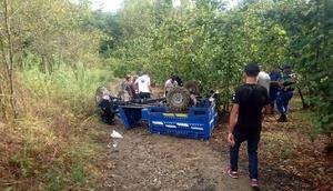 Zonguldakta tarım aracı devrildi: 3 yaralı