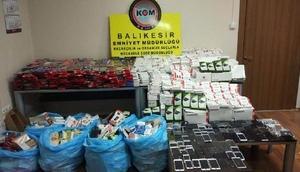 Balıkesirde 6 bin 92 parça kaçak cep telefonu aksesuarı ele geçirildi