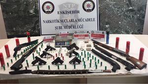 Eskişehir'de 200 polis ve drone'la uyuşturucu operasyonu