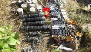 Hakkaride, PKKya ait patlayıcı ve mühimmat ele geçirildi