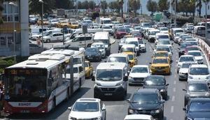 İzmirdeki taşıt sayısı tedirgin edici rakamlara ulaştı