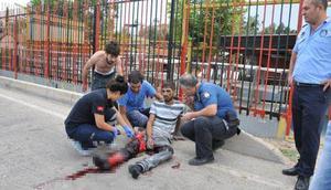Trafik magandaları, bıçak ve levyeyle dehşeti yaşattı
