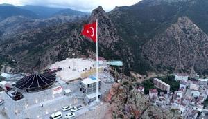 Torul cam seyir terasına ziyaretçi sayısı, Gümüşhane nüfusunu geçti
