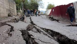 Zonguldakta heyelan nedeniyle yol çöktü