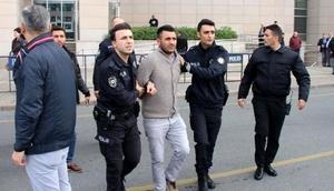 Fotoğraflar // İstanbul Adalet Sarayı önünde kavga: 3 yaralı