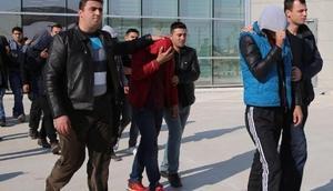 Manisada 3 günde 21 iş yerini soyan 6 kişi yakalandı