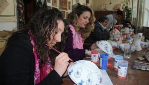 Alman kadınlar Afyonkarahisarda Türk el sanatlarını öğreniyor