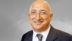 Vahap Munyar'a Adana'dan hemşehrilik beratı
