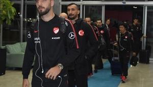 A Milli Futbol Takımı, Antalyaya hareket etti