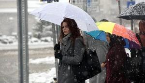 Sivasta kar yağışı, 130 köy yolunu ulaşıma kapadı