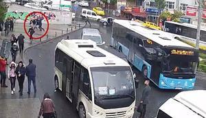 İstanbulda güpegündüz gasp dehşeti