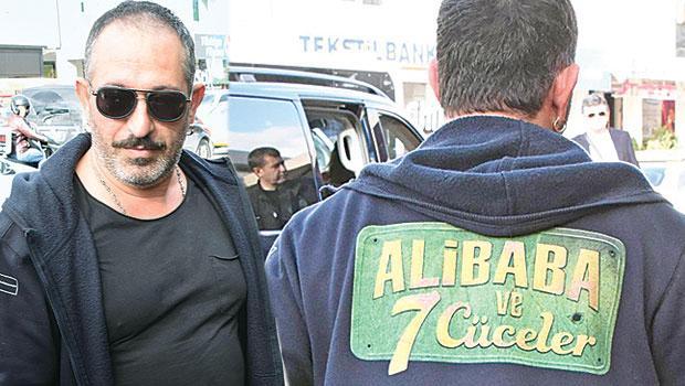 Cem Yılmaz yeni filmi 'Ali Baba ve 7 Cüceler'in reklamını yaptı