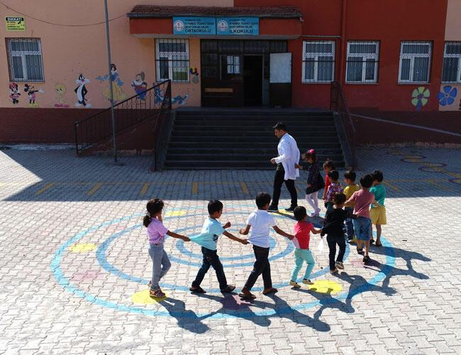 Removal of co-education clause from Turkish Education Ministry's regulations stirs debate