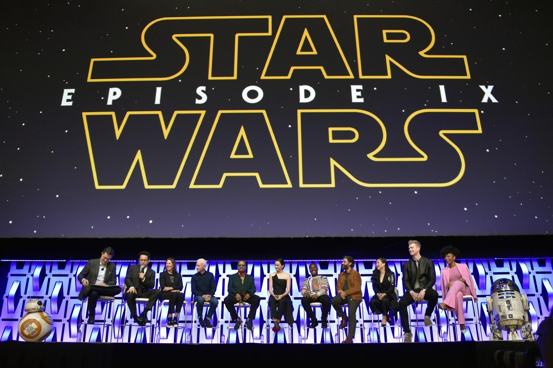 Star Wars Rise Of Skywalker Sees Return Of Emperor Palpatine