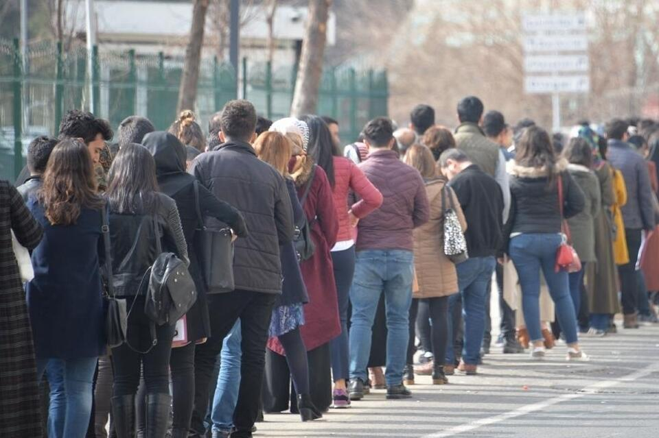 Turkey's unemployment rate stands at 14 percent in August - Latest ...