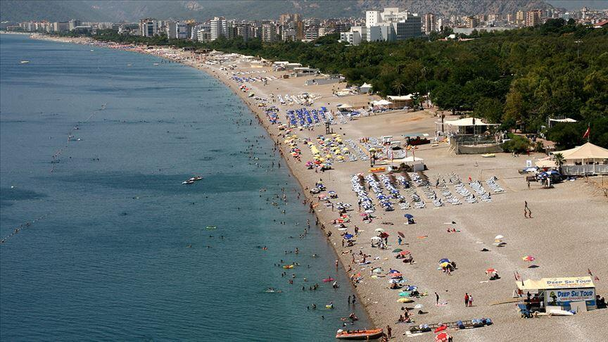 Antalya welcomes more holidaymakers day by day