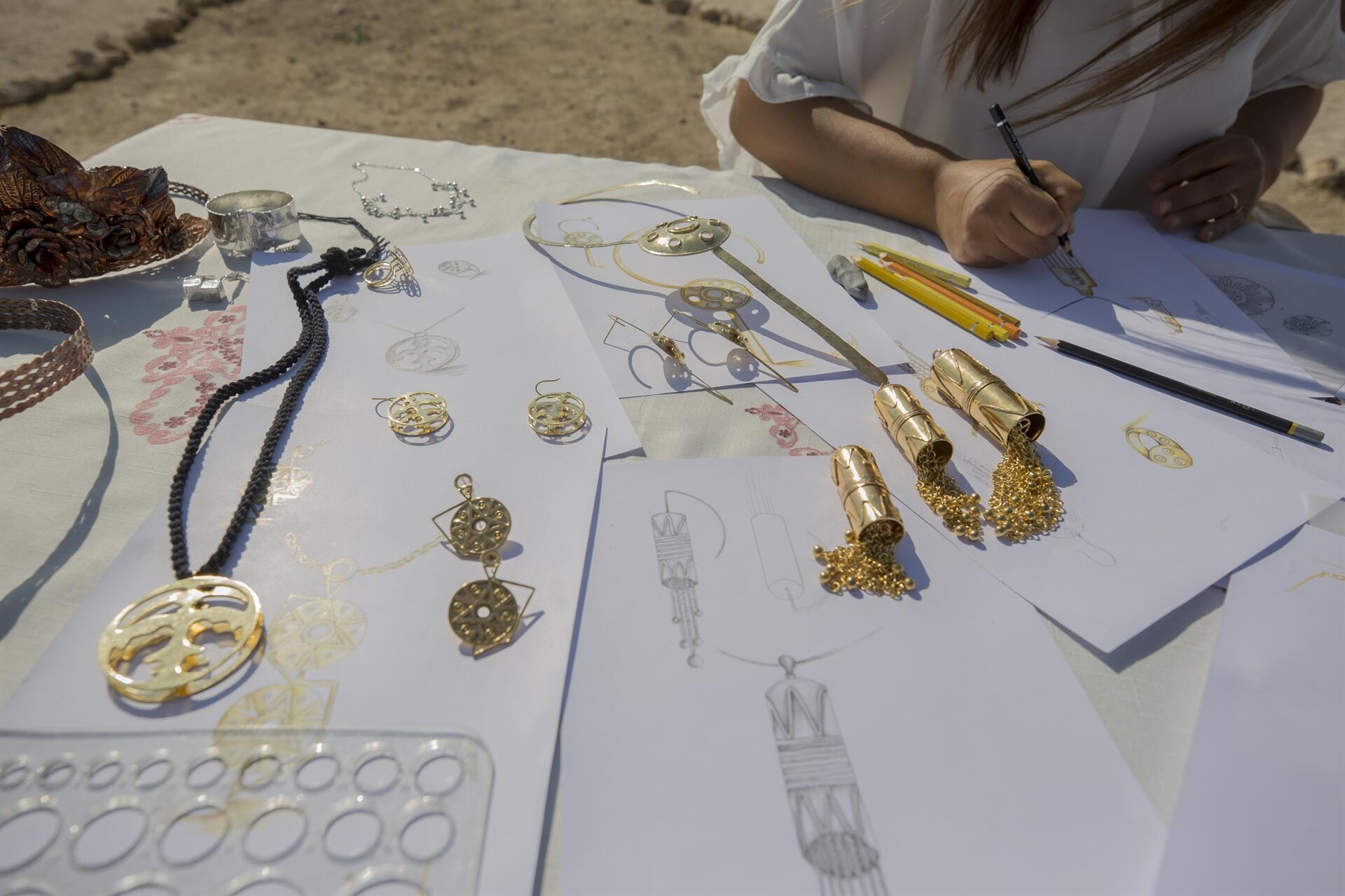 Motifs of ancient artifacts turn into jewelry