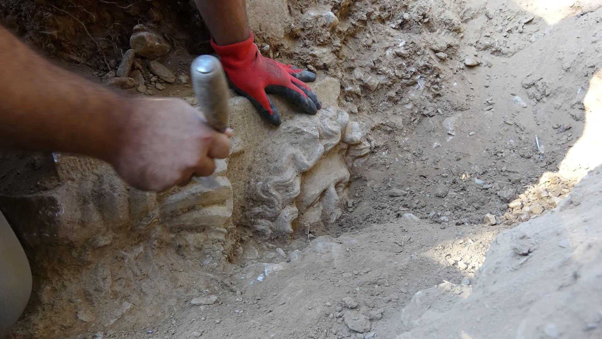 Treasure hunters unearth 2,500-year-old history