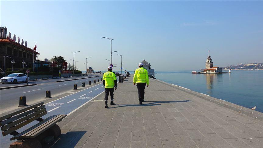 Türkiye üç günlük tatil sokağa çıkma yasağı ilan etti