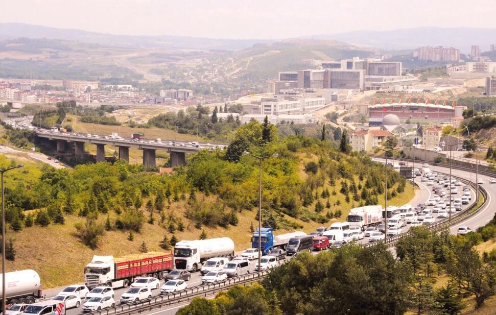 Atasco de tráfico mientras millones regresan a casa de vacaciones
