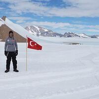 Antarctica: Turkish scholar collects 10,000 meteoroids - Hurriyet Daily News