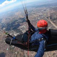 Turkish athlete sets new paragliding record - Turkish News