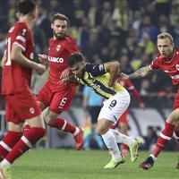 Fenerbahçe draw with Antwerp in Europa League - Hurriyet Daily News