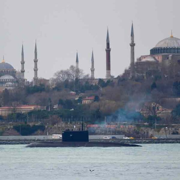 Russian Submarine Krasnodar Sails Towards Syria Via Turkey S Straits