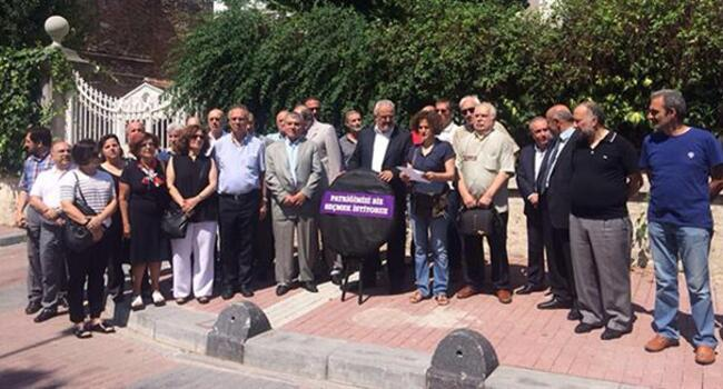 Turkey's Armenians demand right to replace acting patriarch