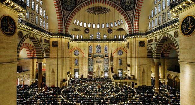 Turkey marks start of three-day-long Eid al-Fitr