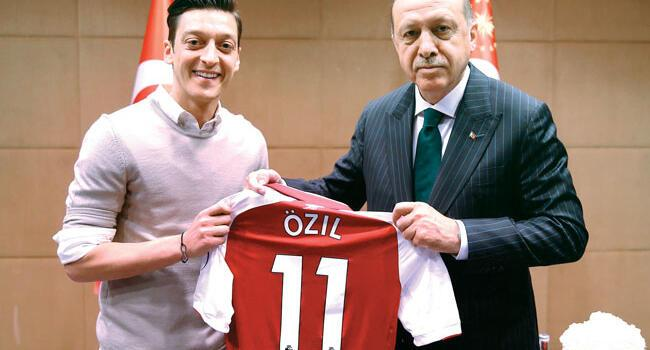 Özil quits Germany side citing racism as Turkey applauds