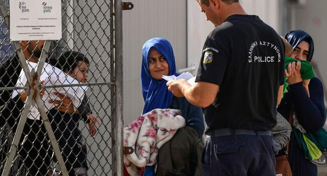 Greece accused of migrant 'pushbacks' at Turkey border