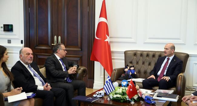 Turkish, Greek ministers discuss migration crisis