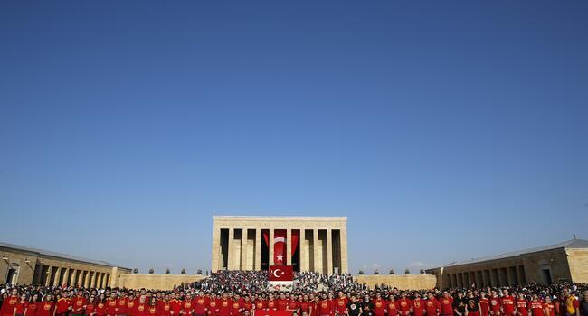 Thousands of Turks mark 96th anniversary of Republic Day
