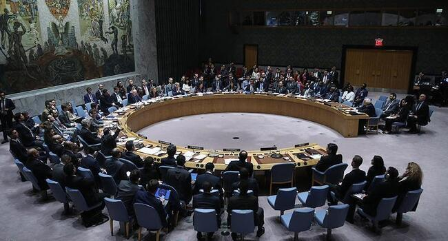 UN defeats rival resolutions to keep Syria cross-border aid