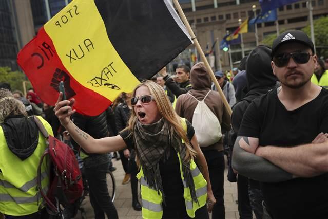 Belçika'da sarı yelekliler seçim günü sokaklardaydı