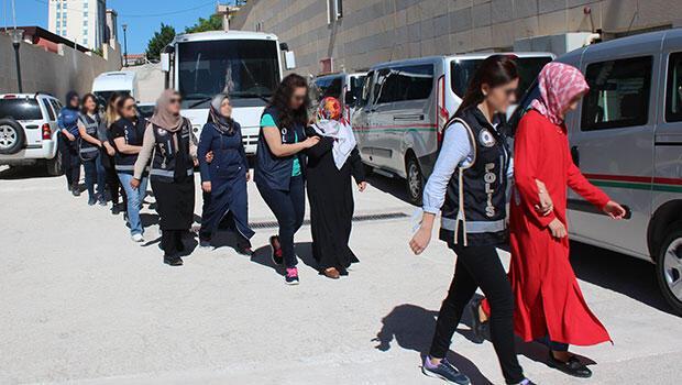 Elazığ'da FETÖ'nün kadın yapılanması çökertildi